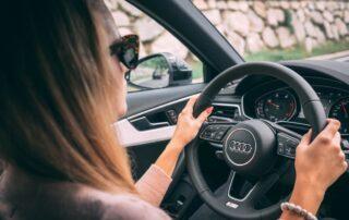¿Qué debes hacer si tu coche no arranca?